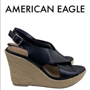 AMERICAN EAGLE BLACK TAN WEDGES SIZE 7.5